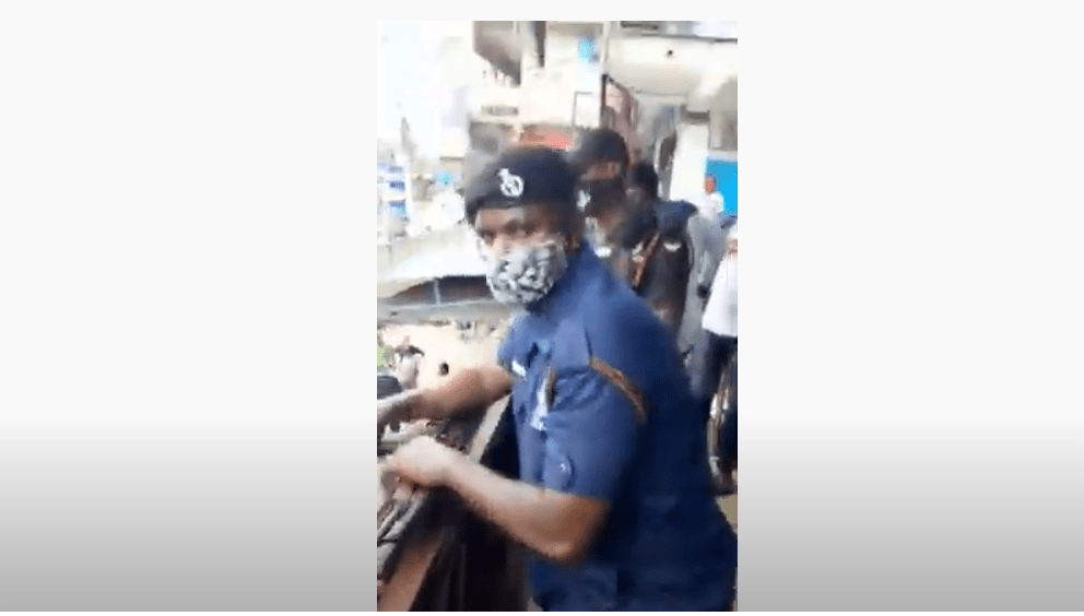 Ghanaian Policemen Spotted Harassing Nigerian Businessman Over $1 Million Tax