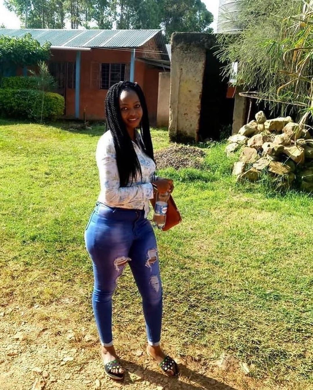 Kenyan Lady Shows Off Her HIV Test Results After Pleading For Forgiveness For Deliberately Infecting Men With The Virus