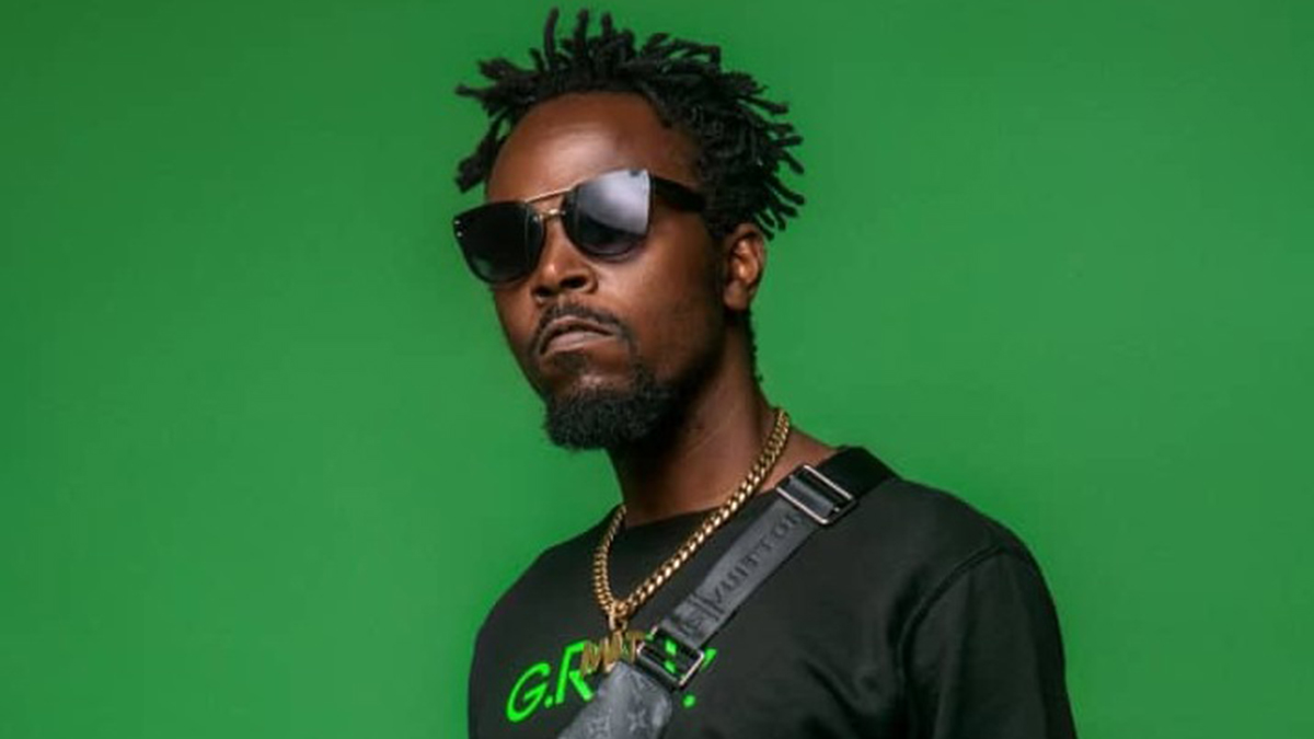 Kwaw Kese Calls Ghanaian Celebrities Hypocrites For Not Speaking Up On $150 Covid-19 Test Fee, Says They Are On Politicians Payroll