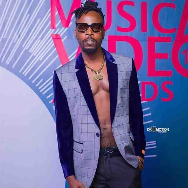 Politicians and Armed Robbers are the same – Kwaw Kese