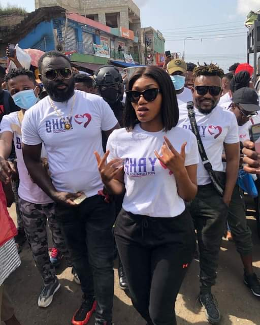 Wendy Shay Joins All Political Parties In Nima For Peaceful Walk And Clean Up Exercise