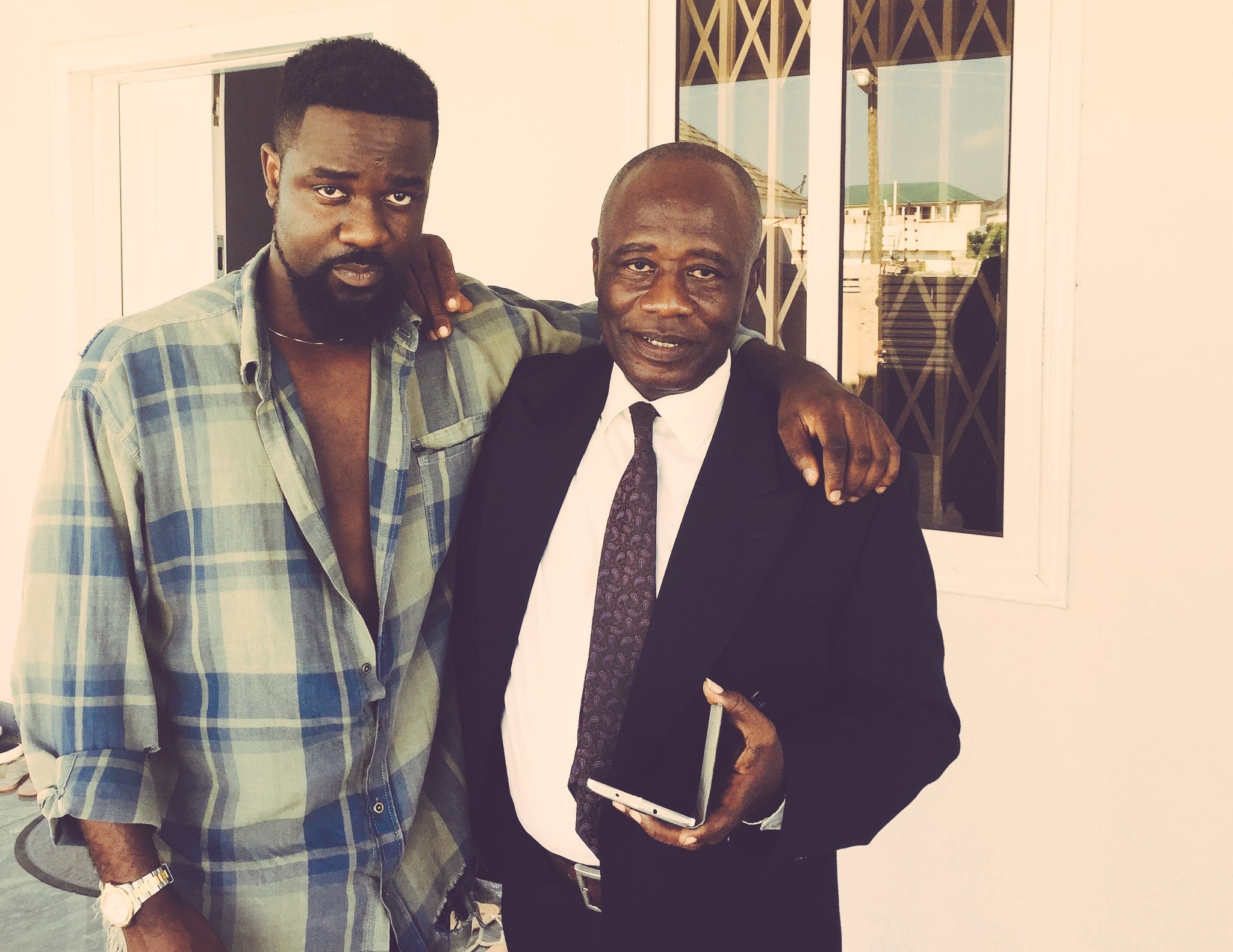 """, """"I was a very big fan of Micheal Jackson, that's why l named Sarkodie, Micheal"""" – Sarkodie's father reveals, Frederick Nuetei"""
