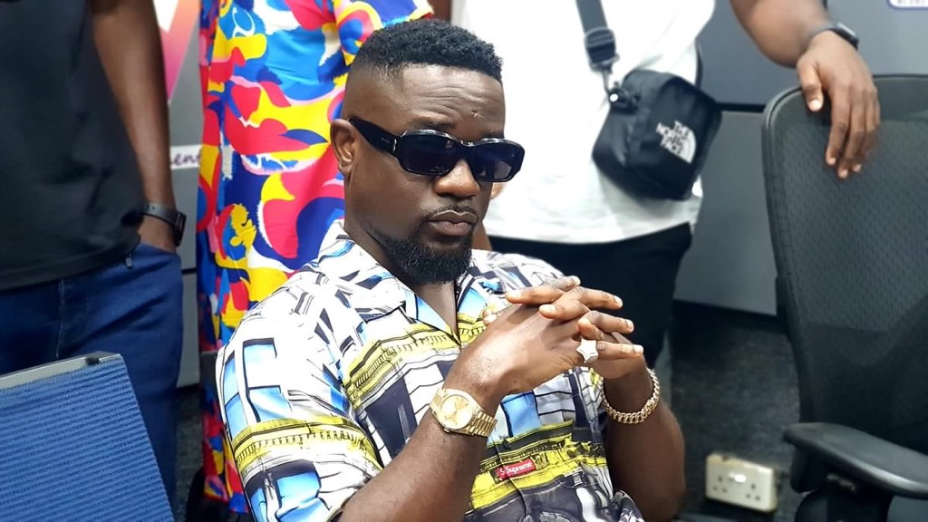 , It appears Dumsor is coming back so I might have to drop another Dumsor track – Sarkodie to gov't, Frederick Nuetei