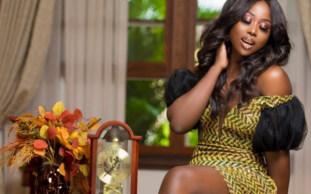 , Sika Osei: Actress gets engaged; flaunts handsome fiancé in new photo, Frederick Nuetei